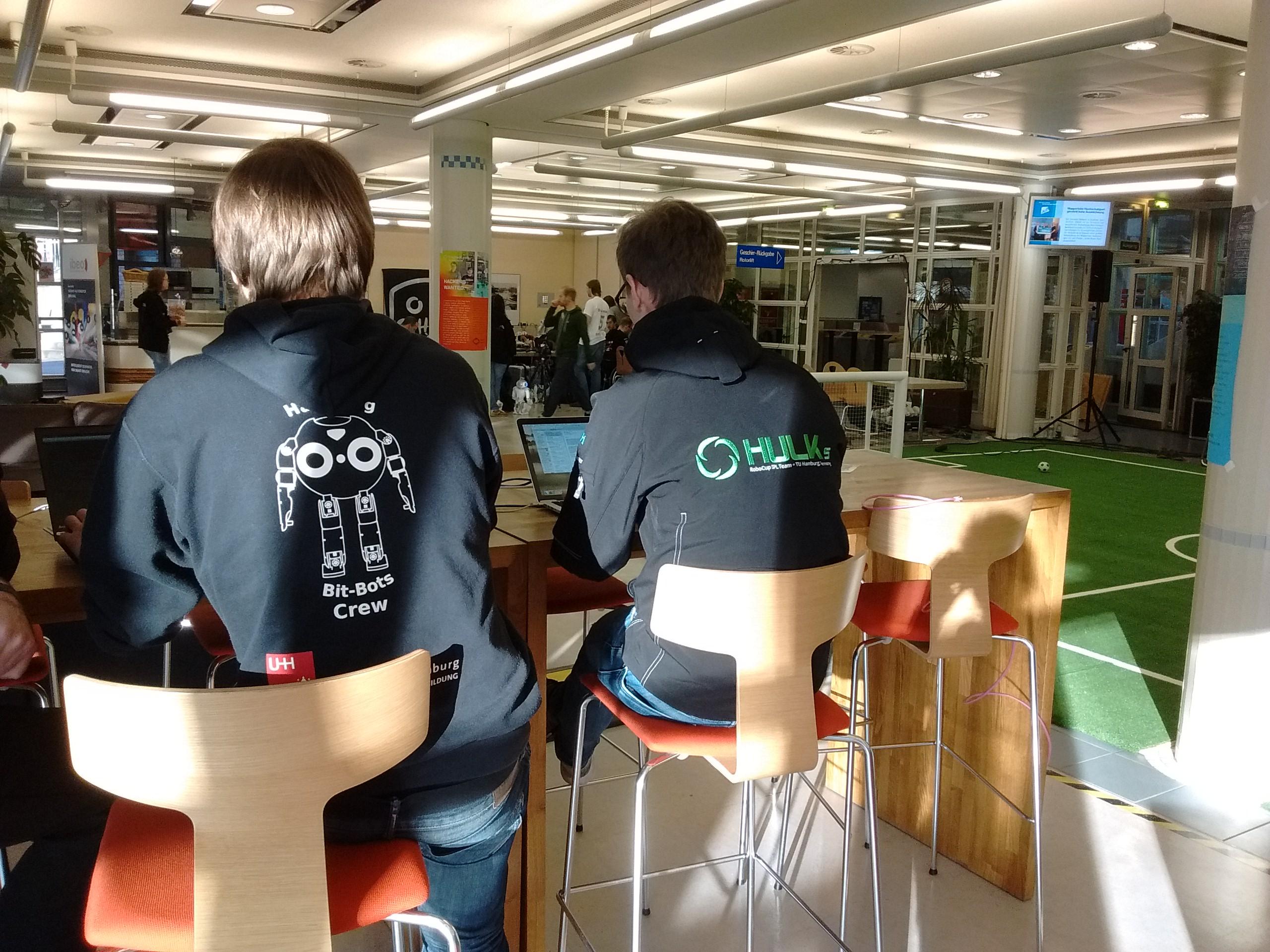 Kooperation zwischen den Hamburg Bit-Bots und den Hulks der TUHH