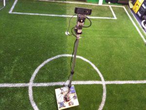 Der Vision Roboter mit ausgefahrener Stange in groß