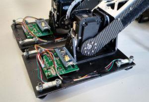 Ein Bild von dem Roboterfuß mit den angebrachten Sensoren.